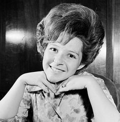 View and license 1964 Bouffant pictures & news photos from Getty Images. Brenda Lee, Beehive Hair, Bouffant Hair, Retro Hairstyles, Pop Singers, Beauty Shop, Big Hair, Music Artists, Rock N Roll