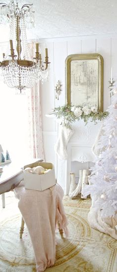 I am a huge fan of the softer side of Christmas. The pretty glittery bits and baubles in bowls, on the trees and scattered about. Soft shades of whites, vintage pale blues, barely blushing blush and even pretty flowers.