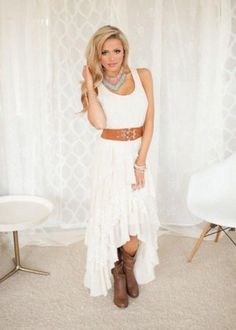 Country Weddings (Pre-Sale) Country Club Ruffle Lace Dress Ivory from Modern Vintage Boutique. Saved to Things I want as gifts. Country Girl Outfits, Country Style Wedding Dresses, Western Wedding Dresses, Country Fashion, Country Girls, Country Style Clothes, Casual Country Wedding, Wedding Boots, Country Girl Style
