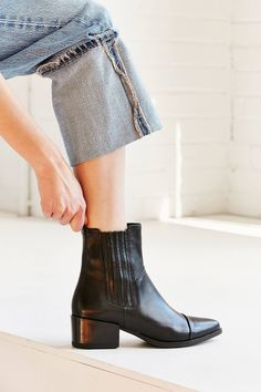These Boots Were Made For Walking: Our Favourite Pairs For Autumn #refinery29uk