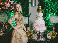 A atriz teen Giovanna Chaves deu uma festa de 15 anos para ninguém pôr defeito. Ela arrasou nos looks, na decoração e nas atrações imperdíveis!