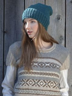 You can use either Novita 7 Veljestä yarn or Novita Suomivilla (Finnwool) yarn to knit this cozy and warm beanie . Fair Isle Knitting, Knitting Socks, Free Knitting, Knitted Hats, Knitting Patterns, Knitting Ideas, Crochet Mandala, Knit Crochet, Crochet Hats
