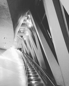 #architektur #unddieandereseite #instameetMBMUS #10yMBMUS #instagramersstuttgart #igersstuttgart #igersstgt #mbmuseum #mercedesbenzmuseum #stuttgart #0711 #stgt #str #kessel @mercedesbenzsclassic @igersstuttgart