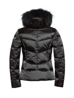 #Kitesun GB03-10-173 gb0310173 #900 #blackskijacket #blackslope #skiwear #luxurysportswear #Goldbergh #GB #ski #snowwear #skifashion #foxfur