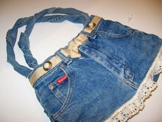 Denim Do Over | Denim Purse With Ruffle Lace Accent | http://www.denimdoover.com