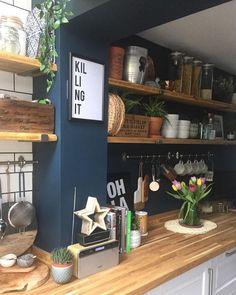 vind-ik-leuks, 43 reacties - Laura Higham (T. Home Decor Kitchen, New Kitchen, Home Kitchens, Kitchen Dining, Blue Walls In Kitchen, Cozy Kitchen, Island Kitchen, Kitchen Interior, Dining Room