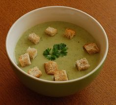 kremova_brokolicova_polievka Cheeseburger Chowder, Hummus, Food And Drink, Soup, Ethnic Recipes, Per Diem, Homemade Hummus, Soup Appetizers, Soups