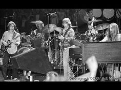 ▶ The Grateful Dead [10.31.1979 Nassau Coliseum Uniondale, NY] Set 1: China Cat Sunflower .I Know You Rider .Cassidy .Loser .Me & My Uncle .Big River . Althea .Lost Sailor .Saint Of Circumstance ~Set 2: Shakedown Street .Passenger .Ramble On Rose . Estimated Prophet .Eyes Of The World .Drums .Wharf Rat .Truckin' ~E: Johnny B. Goode ~j
