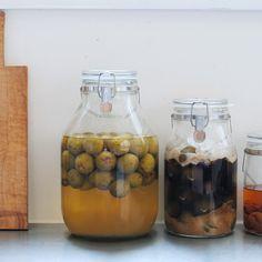 【スタッフのアイデア帖】今年こそ始めよう!初心者さんでも簡単につくれる「梅シロップ&梅酒」レシピ