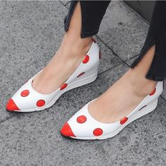 (68.40$)  Watch now - http://ais05.worlditems.win/all/product.php?id=32793025056 - Casual Wedge High Heel Girls Shoes Cute Style Spot Color Match Sweet Students Shoe Pointy Toe Beautiful Shoes