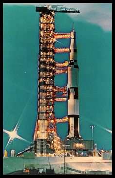Art,fashion,design,technology etc from the atomic space age Apollo Space Program, Nasa Space Program, Space Pioneers, Retro Bedrooms, Space Age, Sci Fi Art, Cosmos, 1960s, Building