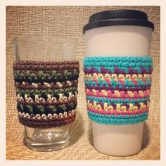 Need a quick end-of-year gift for your kids' teacher(s)? The Carousel Coffee Cozy works up quickly  can be made in any combination of colors!  www.ravelry.com/patterns/library/carousel-coffee-cozy