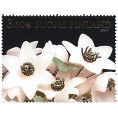 Postimerkki: Fabergé, Talvimuna - Valkovuokot | Suomen postimerkit Finland, Place Cards, Stamps, Place Card Holders, Paper, Seals, Postage Stamps, Stamp