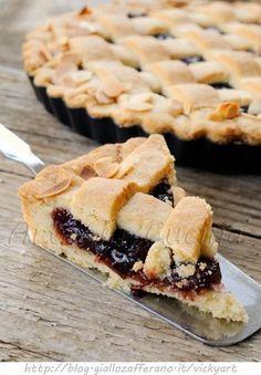 Linzer cakes original recipe Austrian tart to jam with lemon peel and cinnamon pastry Cake Cookies, Cookies Et Biscuits, Cupcake Cakes, Skinny Cookies, Torte Cake, Sweet Pie, Italian Desserts, Breakfast Cake, Pastry Cake