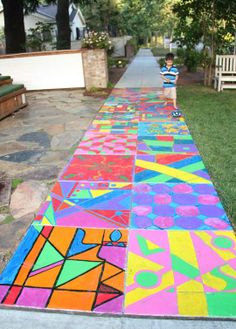 One day when I have more time, I would love to start a kids' summer camp in my neighborhood - how fun does this look!