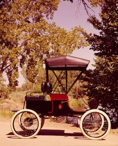 1902 Oldsmobile Runabout Model R. - (Oldsmobile Motors division of General Motors, Lansing, Michigan 1897- 2004)