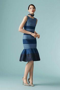 The complete Carolina Herrera Resort 2017 fashion show now on Vogue Runway. Fashion 2017, Love Fashion, High Fashion, Fashion Show, Fashion Dresses, Womens Fashion, Fashion Trends, Fashion Design, Denim Dresses