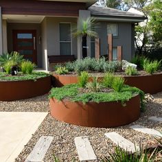 Front House Landscaping, Modern Landscaping, Backyard Landscaping, Side Garden, Garden Edging, Garden Paths, House Landscape, Landscape Design, Back Gardens
