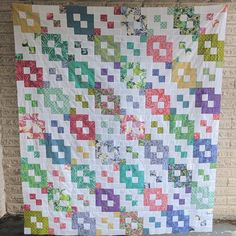 Shortcut Quilt: Free Layer Cake Quilt Pattern - Layer Cake Links - The Jolly Jabber Quilting Blog