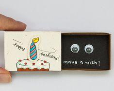 "Lustige Geburtstagskarte Matchbox / Geschenk-Box / ""Wünsch dir was"" Geburtstagstorte Kerze / EN VENTA tarjeta de cumpleaños divertida caja de fósforos / caja de regalo / Bunny Birthday, Diy Birthday, Birthday Gifts, Cake Birthday, Birthday Message, Happy Birthday, Birthday Wishes, Surprise Birthday, Birthday Parties"