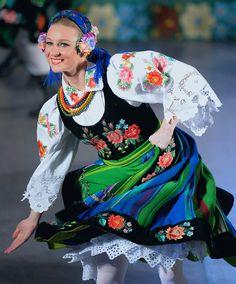 """Łowicz folk costume - Zespół Pieśni i Tańca """"Śląsk"""", Poland - lovely petticoat!"""