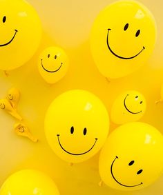 100 Smiley Face Balloons Parties Emoji All Occasions Decoration Birthday Baloons Face Aesthetic, Aesthetic Colors, Aesthetic Pictures, Bedroom Wall Collage, Photo Wall Collage, Picture Wall, Poster Collage, Picture Collages, Happy Smiley Face