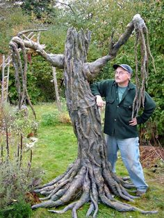 How to make a fake tree. Can you say Whomping Willow?! VERY COOL EASY