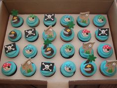 Mossy's Masterpiece - Cooper's Pirate cupcakes by Mossy's Masterpiece cake/cupcake designs, via Flickr