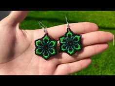 Beaded Earrings Patterns, Bead Loom Patterns, Seed Bead Earrings, Diy Jewelry Tutorials, Beading Tutorials, Crochet Flower Tutorial, Bead Embroidery Jewelry, Earring Tutorial, Bead Jewellery