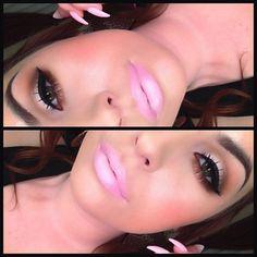 Brown eye, pink lips