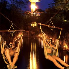 The most popular night attraction of the Riviera Maya invites you to enjoy the best activities; come to Xplor Fuego and live a day full of adventure.