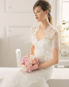 Style #8C158 AMAPOLA | 2015 Collection | Aire Barcelona | Beaded lace dress with flower in a natural colour. 8C758 – Lace jacket in a natural colour. (close up)
