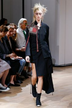 Yohji Yamamoto Spring 2015 Ready-to-Wear - Collection - Gallery - Look 10 - Style.com