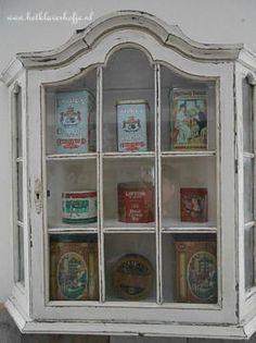 Marktplaats.nl - Gerestyled antiek vitrinekastje 71x19x72cm - Antiek   Meubels   Kasten Cupboards, Shadow Box, Chalk Paint, Painted Furniture, Repurposed, Shabby, Diy Projects, Cabinet, Interior