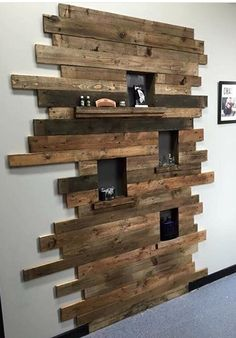 25 Unbelievable DIY Project (Anyone Can Make Wandgestaltung ideen Diy Pallet Projects DIY Ideen Project Unbelievable Wandgestaltung Wooden Wall Decor, Diy Wall Decor, Diy Home Decor, Pallet Wall Decor, Decor Room, Wooden Pallet Wall, Diy Wood Wall, Pallet Wood, Bedroom Decor