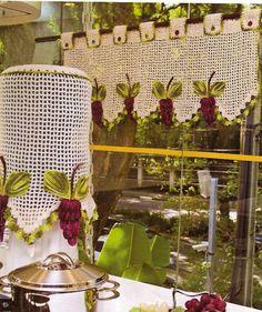 CROCHE COM RECEITAS: Como fazer capa para galão de água croche com uvas...
