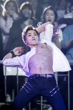 Xiumin - 160320 Exoplanet #2 - The EXO'luXion [dot] Credit: Mad Tea Party. HOW OMG