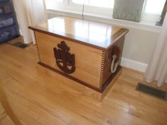 Retirement or memorabilia Chest! I think I'll make this my next project. Military Retirement Parties, Retirement Gifts, Retirement Ideas, Flag Display Case, Display Cases, Military Shadow Box, Navy Chief, Go Navy, Military Gifts