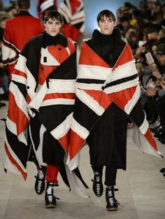 KTZ Union Jack Flag Cape Large | Hervia.com