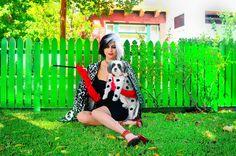 Cruella De Vil DIY Halloween Costume #dogcostume #disneycostume #101dalmatians #doghalloweencostume #cruelladevil #cruelladeville