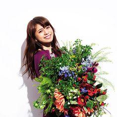 Flowerのオフィシャルウェブサイト最新情報、プロフィール、曲の試聴等。
