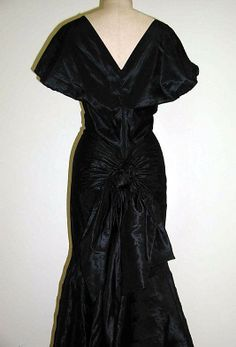 Evening dress Madeleine Vionnet (French, Chilleurs-aux-Bois 1876–1975 Paris) Date: fall/winter 1934–35 Culture: French Medium: silk