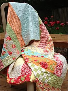 """My Quilt Infatuation: Ring Around the Rosy..... 4 1/2"""" strips, 9"""" center, 64"""" square.....keep going as large as you wish"""
