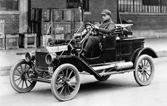 The most affordable automobile in San Francisco in beginning in 1909, was the Ford Model T..... here we have a 1914 Model T Ford Station Wagon.