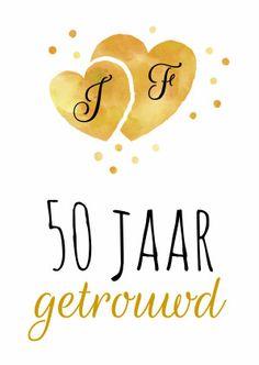 Vrolijke uitnodiging voor een 50-jarig jubileum met aquarel hartjes in geelgouden kleur (normale drukinkt). Vul zelf jullie letters in op de hartjes.