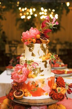 Bold colors and spotted flowers lead the vibrant design parade in today's tropical Indian wedding in Rochester inspired by the couple's travels together. #indianweddings #rochesternyweddings #floraldesigner Metallic Wedding Cakes, Painted Wedding Cake, Unique Wedding Cakes, Wedding Cake Designs, Unique Weddings, Red Wedding Flowers, Buttercream Wedding Cake, Geometric Wedding, Wedding Cake Inspiration