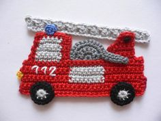 Fire Brigade car crochet application from cotton, washable to 40 ° To sew on children's clothes, pillows, bags, gym bags and much more. Width about 13 cm Height about 8 cm Appliques Au Crochet, Crochet Motif, Crochet Flowers, Crochet Stitches, Crochet Car, Crochet For Boys, Crochet Toys, Applique Patterns, Knitting Patterns