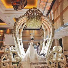 Enchanted Wedding-Flower Cinderella Carriage 2017