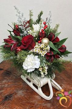 Must see this flower ideas of the day, 22 Images - DIY State Christmas Swags, Christmas Flowers, Winter Flowers, Rustic Christmas, Christmas Crafts, Christmas Sleighs, Xmas, Christmas Snowman, Christmas Wedding