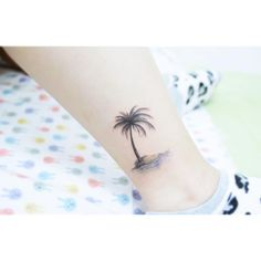 "4,577 Likes, 27 Comments - 타투이스트 바늘 (@tattooist_banul) on Instagram: "": Palm tree  . . #tattooistbanul #tattoo #tattoos #palmtree #palmtreetattoo #TattooSupplyBell…"""